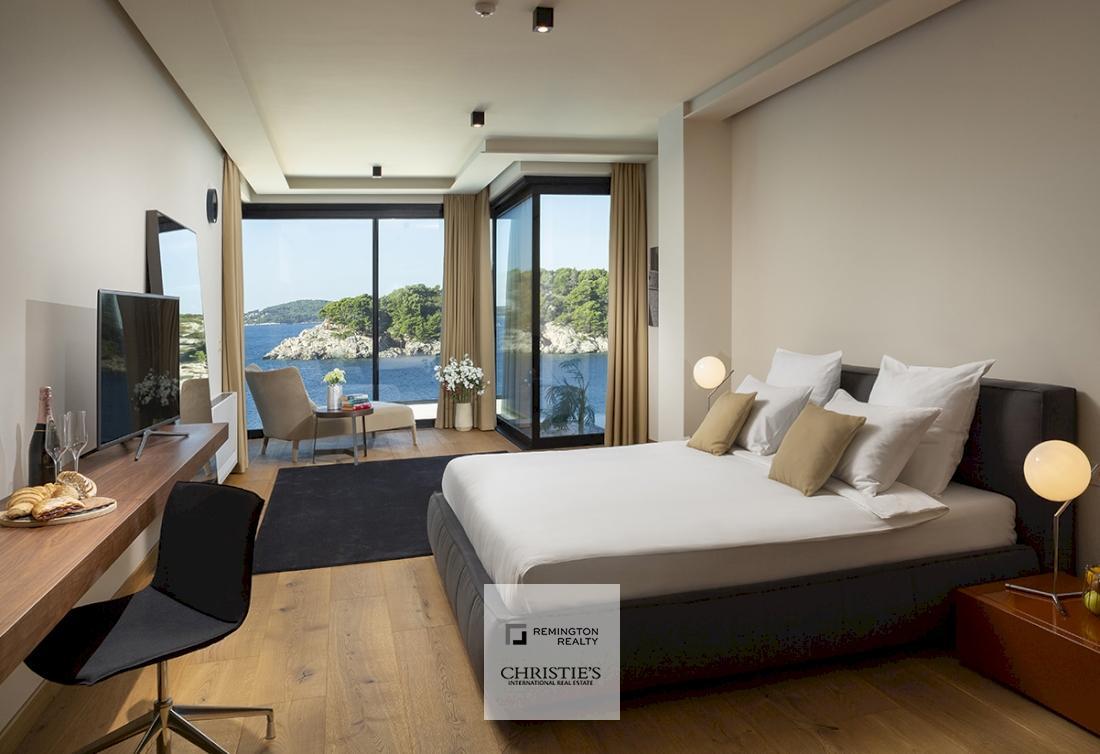 Luksuzna vila uz more za prodaju s privatnom plažom - Dubrovnik