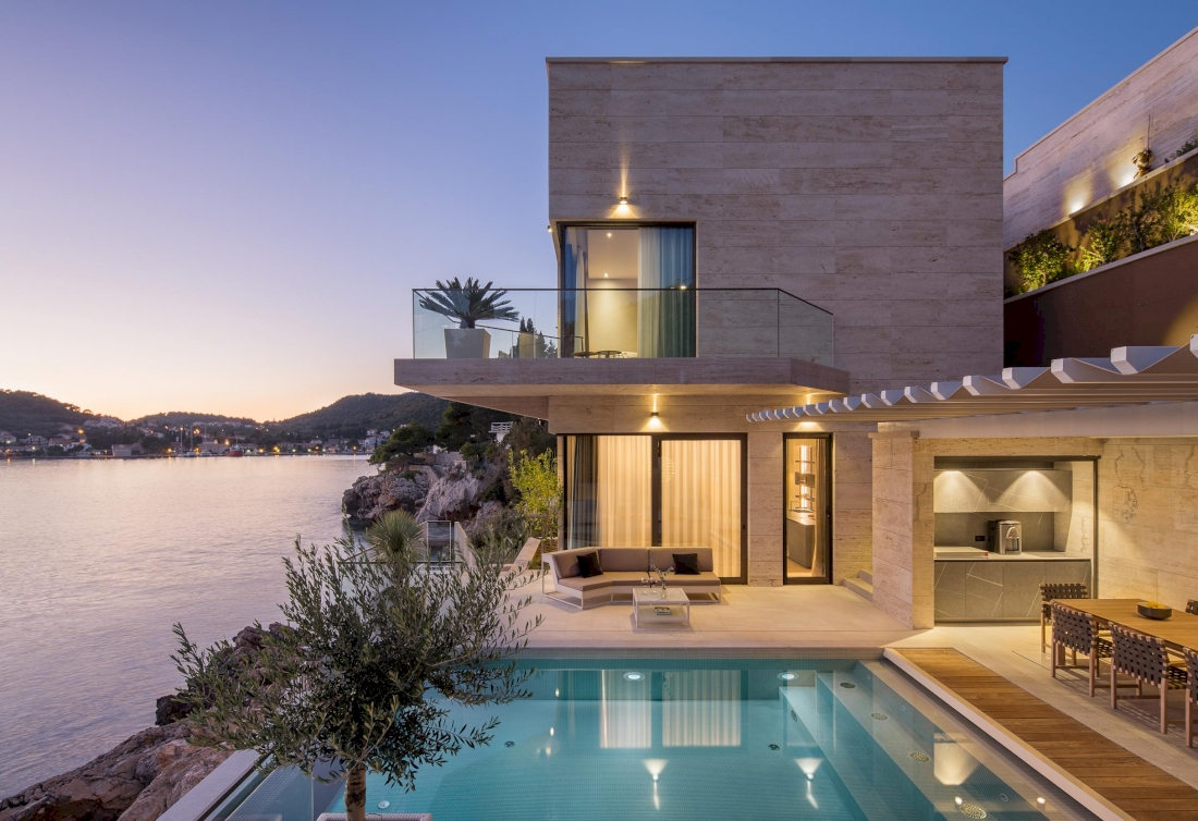 Magnificent Waterfront Villa for rent - Dubrovnik