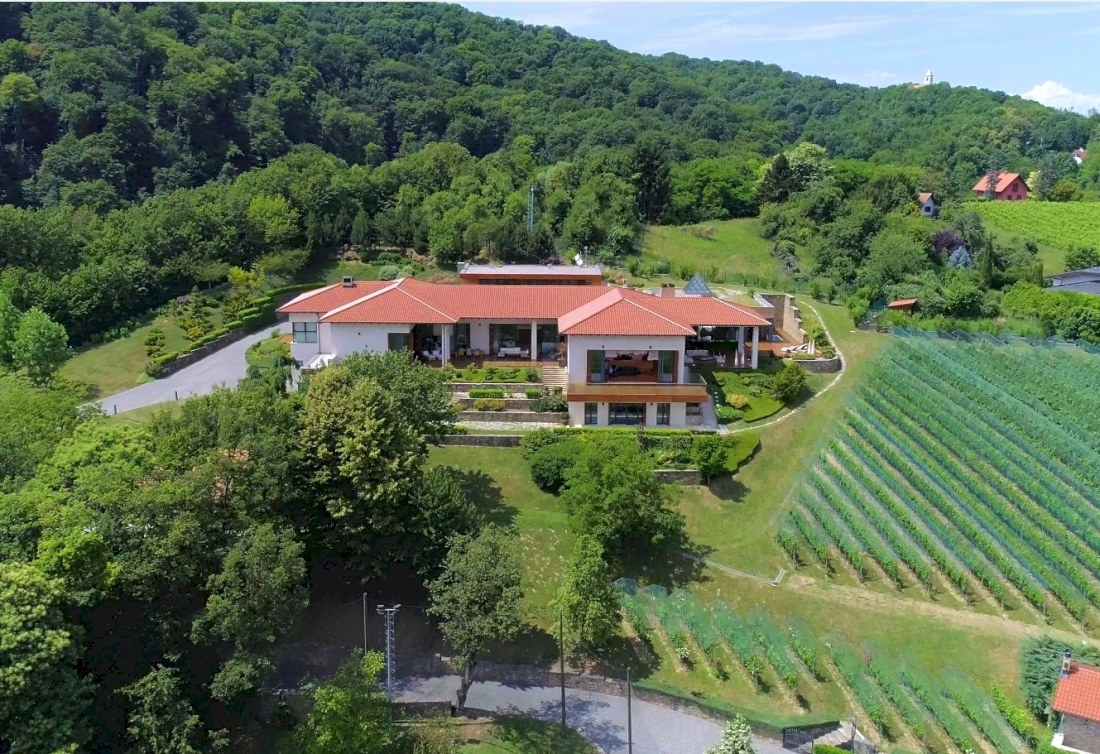 A magnificent 3 hectares super luxury estate near Zagreb