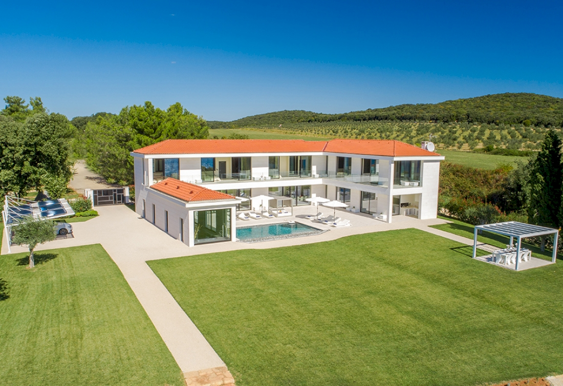 Stunning waterside estate in Istria