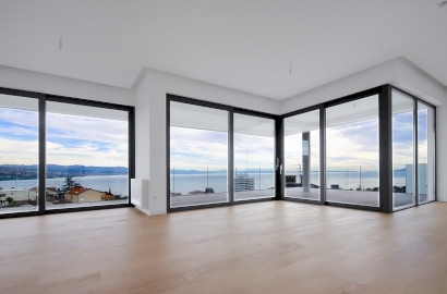 4 Luxury Apartments with the Sea View